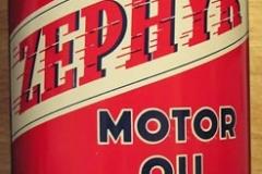 Zephyr Motor Oil red qt